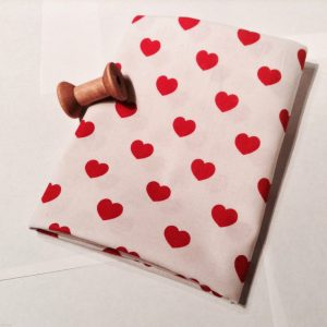 hearts-100-cotton-poplin-fabric-material-55-140-cm-wide-white-red-heart-print-fabric-594bedcc1.jpg