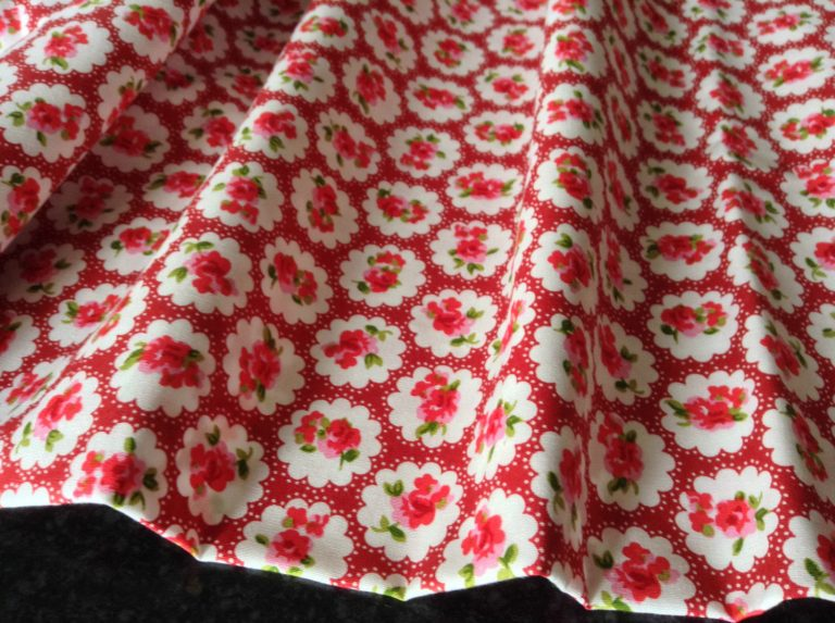 vintage-rose-cotton-fabric-material-floral-chic-112-cm-wide-red-floral-print-sold-by-the-meter-594bef011.jpg
