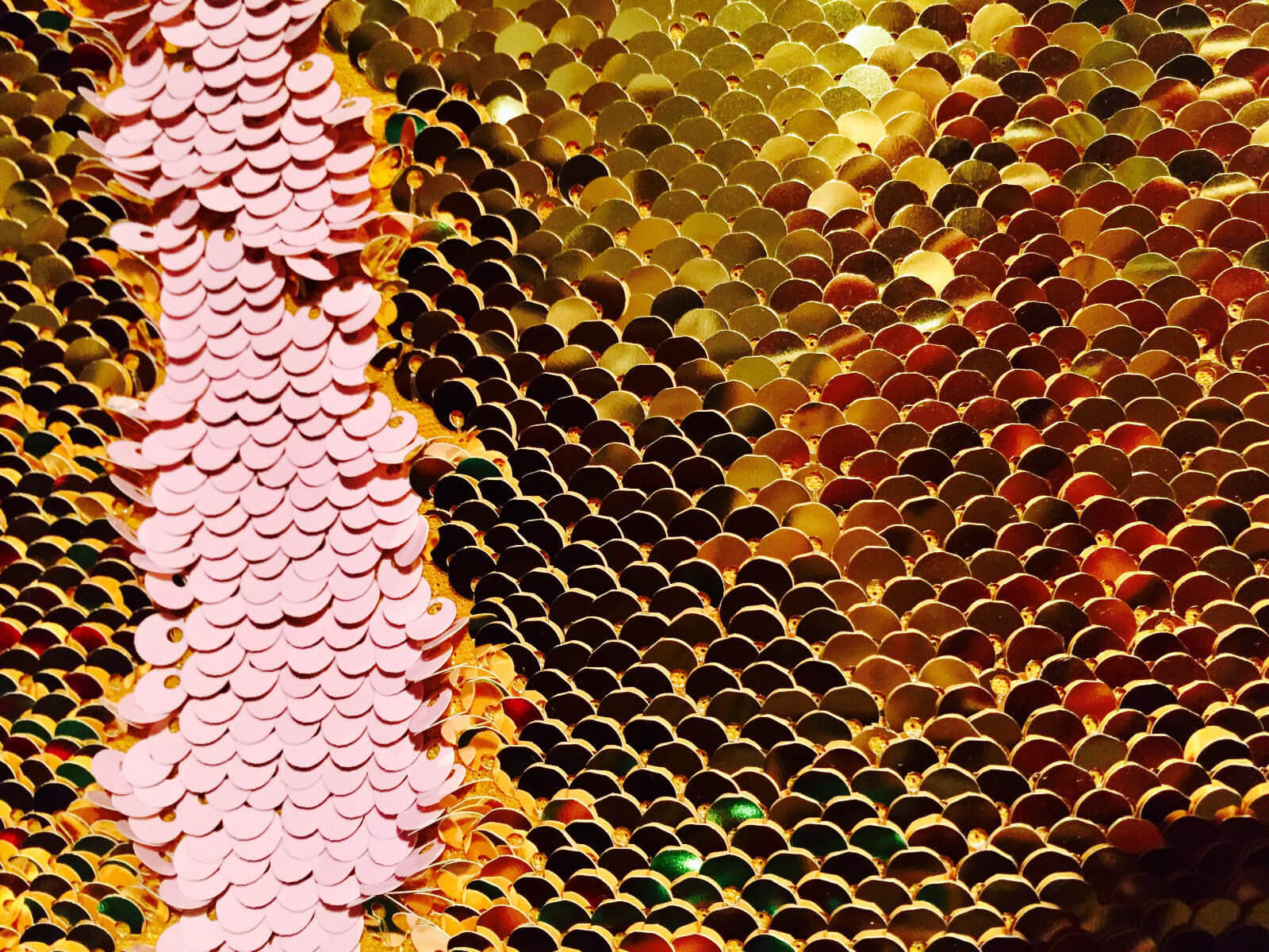 mermaid-reversible-5mm-sequin-fabric-flip-two-tone-stretch-material-130cm-wide-baby-pink-gold-sequins-5a417d5f1.jpg