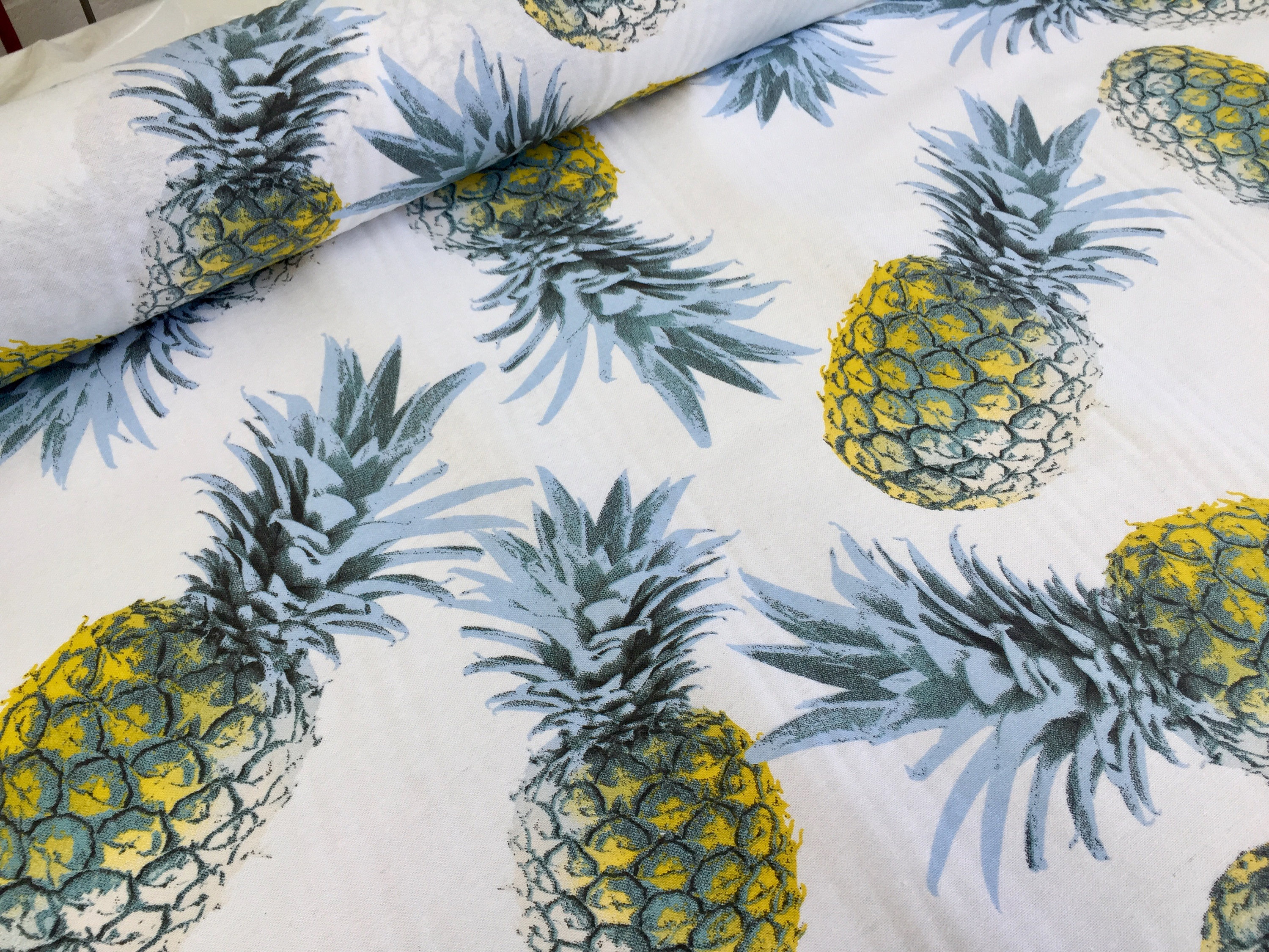 yellow-pineapple-cotton-fabric-for-curtain-upholstery-ananas-green-tropical-leaf-280cm-extra-wide-5b0eb1901.jpg