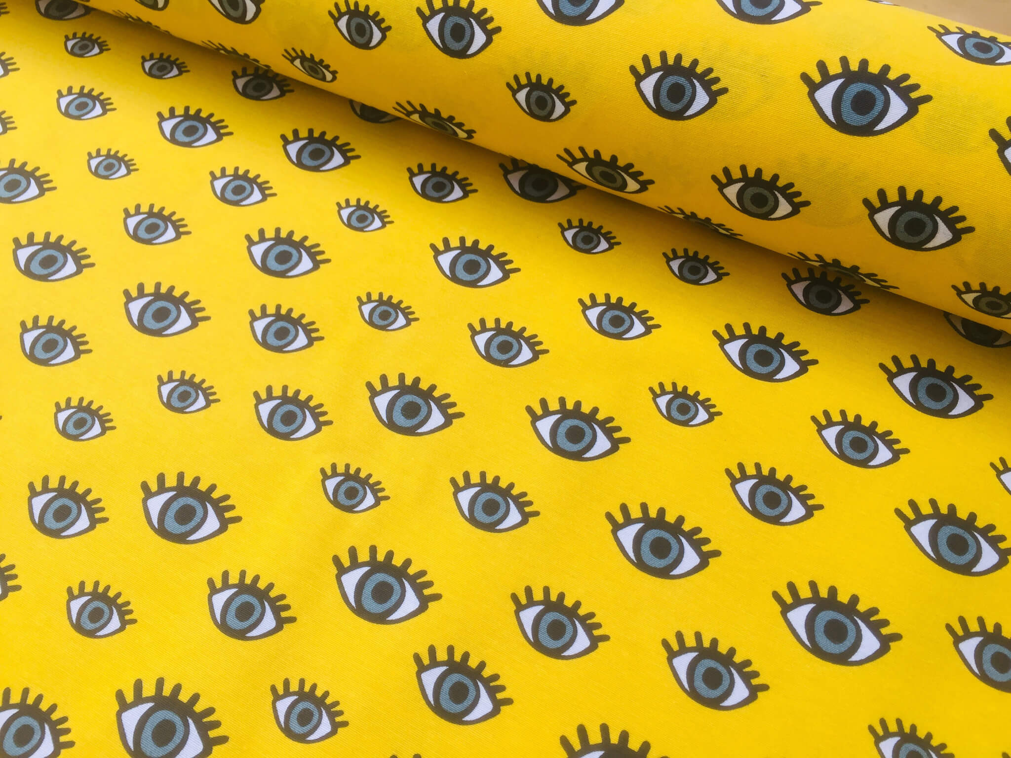 blue-eyes-on-yellow-fabric-watching-eye-print-material-dressmaking-home-decor-curtain-upholstery-textile-140cm-55-wide-5d330f3d1.jpg