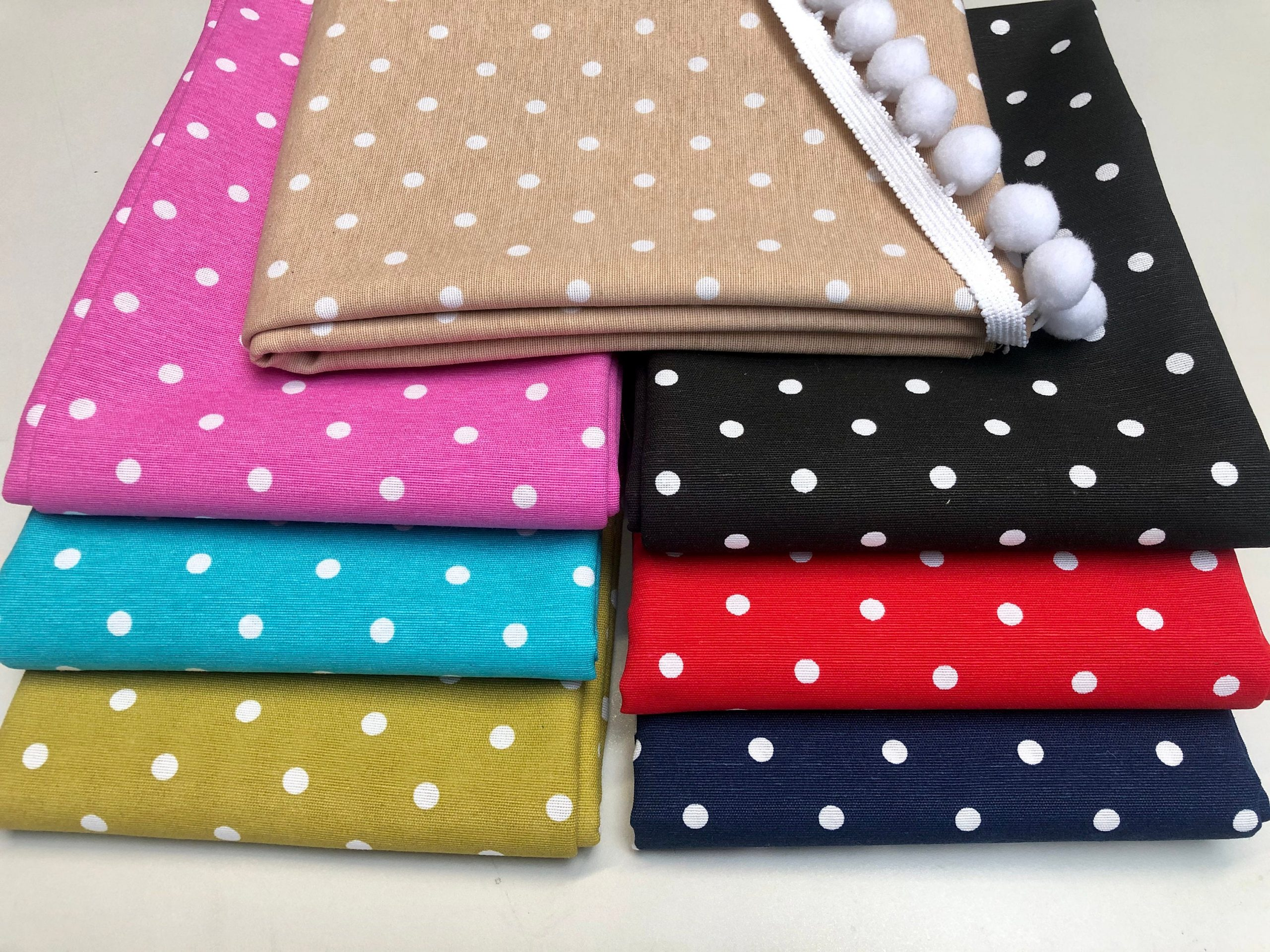 Polka Dot Fabric White Spots Dots PolyCotton Material Shabby Classic Chic Textile Home Decor Dress Curtains – 55''/140cm Wide Canvas